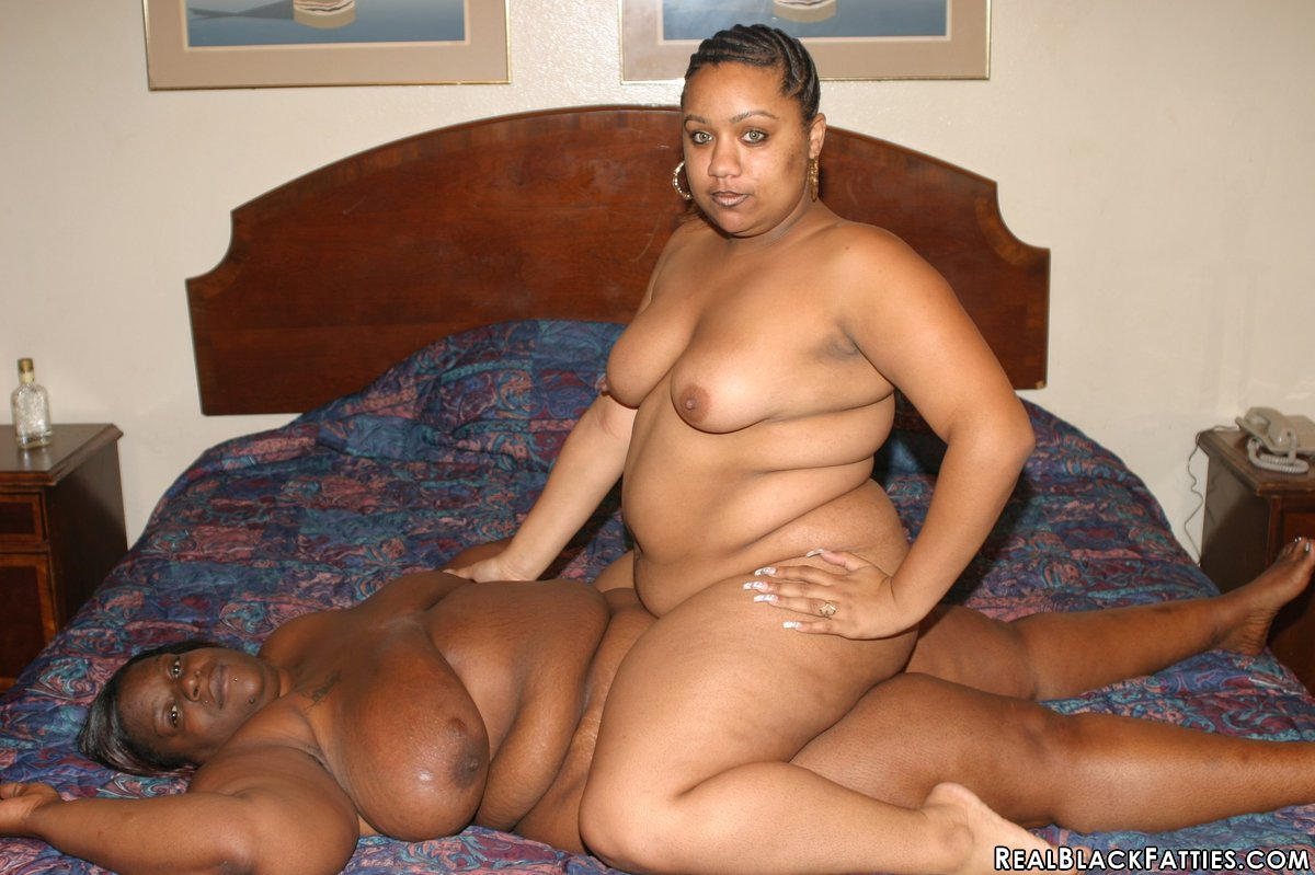 Fat Lesbian Skinny Lesbian