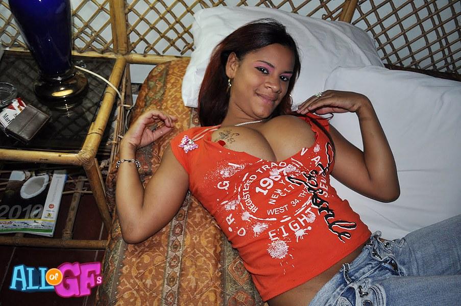 Big Tits Bouncing Webcam